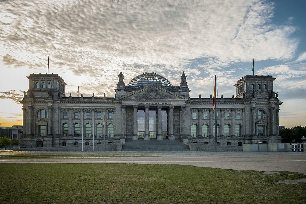 Reichstag-Morgensonne.jpg